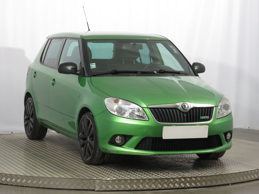 skoda fabia rs 1 4 tsi. Black Bedroom Furniture Sets. Home Design Ideas
