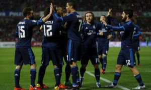 Video: Real Madrid vydrel body v Granade, zabrala aj Barcelona