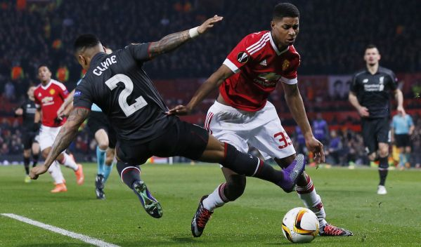 Video: Manchester United stroskotal na Liverpoole