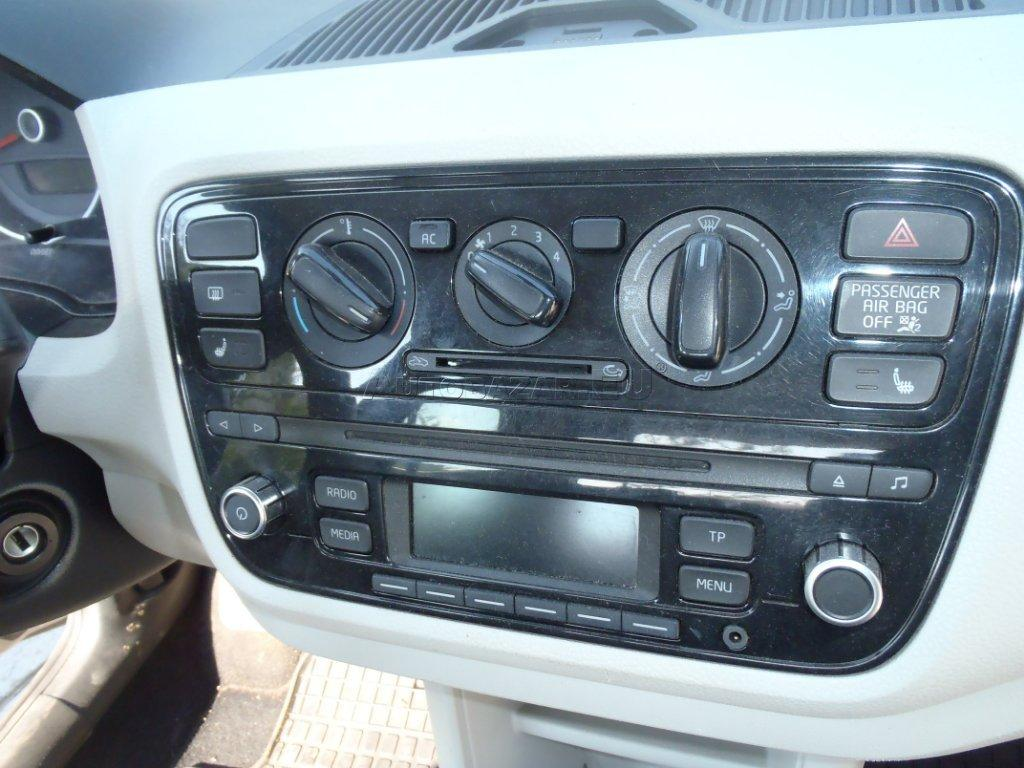VW UP RADIO