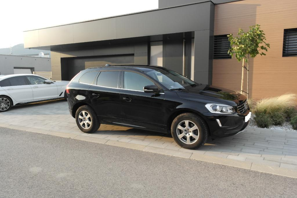 Volvo XC60 D5 Momentum Geartronic AWD 158 kw