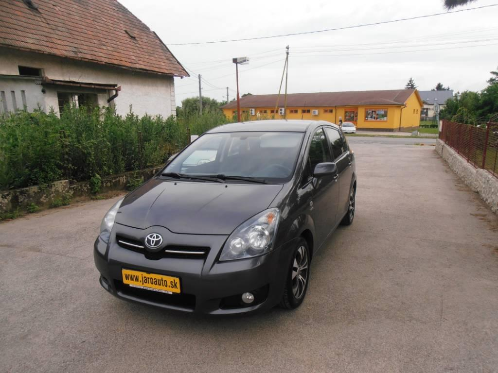 Toyota Corolla Verso 2.2 D-4D 180 Lux+