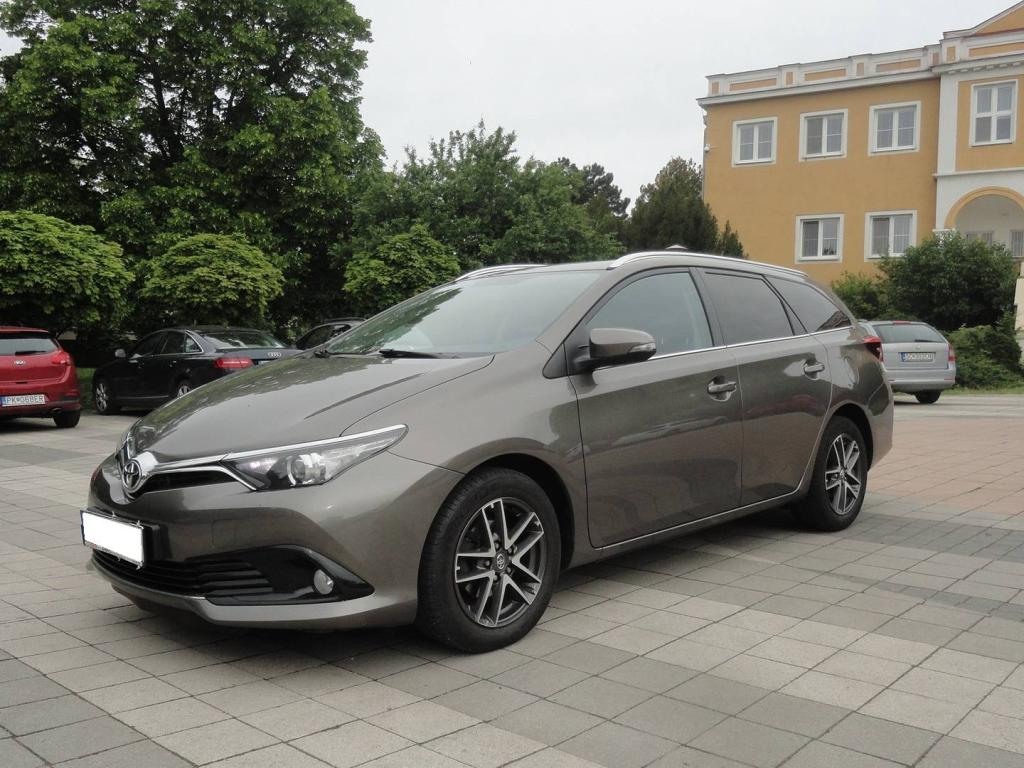 Toyota Auris Touring Sports 1.6 l Valvematic Active Family