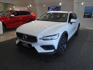 Volvo V60 2, 0   D4 AWD CROSS COUNTRY 8AT