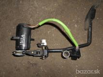seat ibiza plynovy pedal