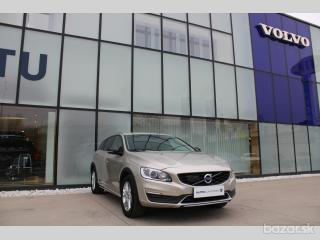Volvo V60 CC D4 AWD MOMENTUM REEZRVACE