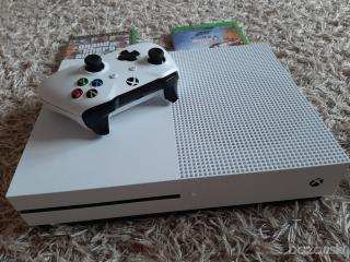 Xbox one s 1Tb    + gta 5  a forza horizon 4