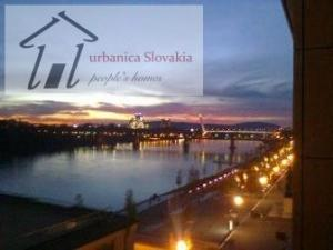 1 izb. byt, Eurovea / top trendy location..rent a flat apartment in Bratislava Slovakia with us..bes