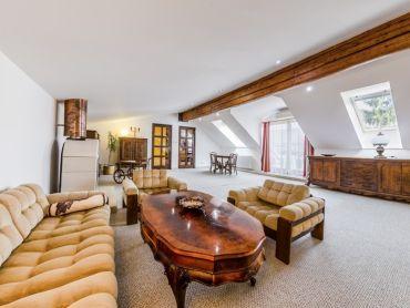 Veľký mezonetový zariadený apartmán v centre Prešova na prenájom