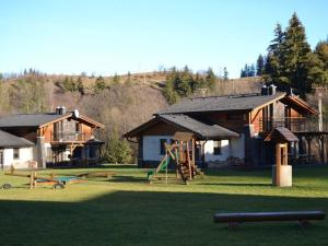 Rekreačné domčeky v malebnej horskej doline