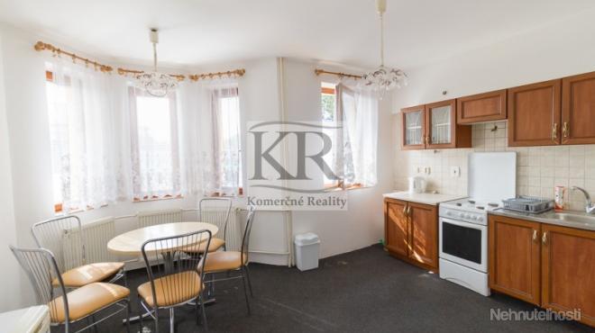 Rodinný dom na prenájom, Suchá nad Parnou, Trnava,  130m2, 1.000,-EUR + energie