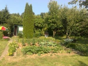 záhrada 376 m2, obec Vyšná Hutka, KE-okolie