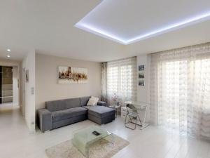 Luxusný 2 izb. byt 73m2, Bajzova ul., garáž, 2x balkón, 3/5p., výťah, širšie centrum, NIVY, inzerov