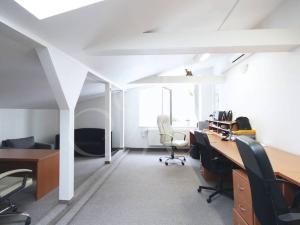 Lukratívne kancelárske priestory v Ružinove - 200,86 m2 alebo 270,66 m