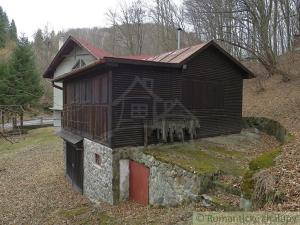 Chata na Zlatníku neďaleko obce Košická Belá