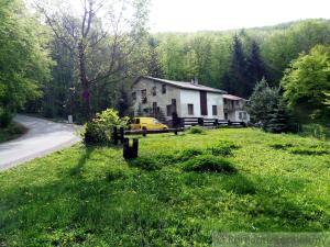Veľký dom priamo v horách nad obcou  Soblahov na predaj