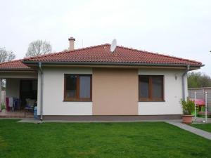 NOVÁ CENA! - Priestranný  rodinný dom s dvojgarážou na predaj v Šamoríne