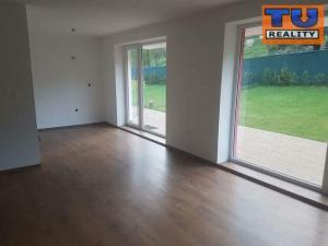 Veľkometrážny 3 izbový byt v novostavbe s terasou a záhradou