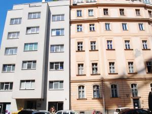 Kancelária, 16,5m2, Paulínyho ulica, Bratislava - Staré Mesto.
