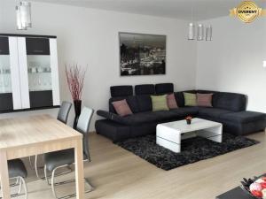 PRENÁJOM - Luxusný byt s parkovanim a klimatizáciou - Nitra, Zobor