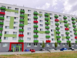 Winners reality ponúka exkluzívne na predaj kompletne zariadený byt s parkovacím miestom, Ružinovská