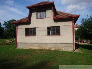 Rodinný dom v obci Malé Hoste na predaj
