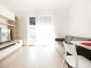 Krásny 1i byt s balkónom na prenájom v Bratislave - Staré Mesto
