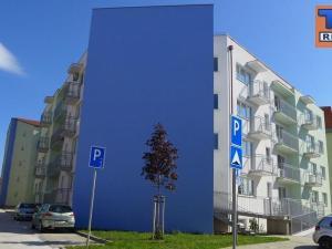 Na predaj 5 a viac izbový byt (päťizbový), Pezinok