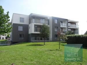 SENEC – NA PREDAJ 3 izbový byt v tehlovej novostavbe s výťahom - ul. Ružová v Senci