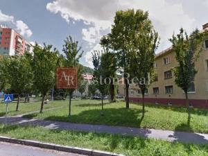 Súrne hľadám pre klienta 2 - izbový byt NA UHLISKU - Banská Bystrica