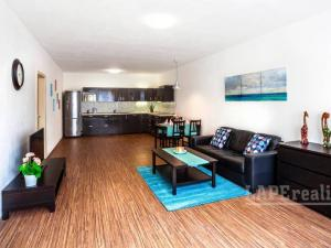 PREDAJ - Krásny- veľkometrážny 3-izbový byt -Dlhé Diely