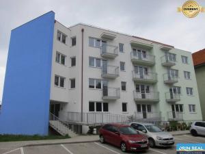 5 a viac izbový byt Pezinok predaj