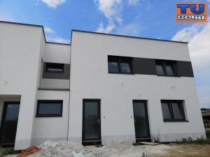 TOP PONUKA ! ZOBORSKÉ LÚČKY, NITRA, 3i BYTY V NOVOSTAVBE s terasou, výborná nová lokalita, 98 m2
