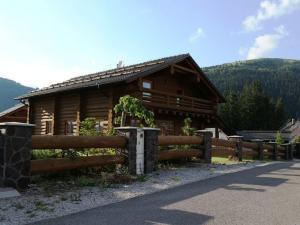 IBA U NÁS: Krásny, kompletne zariadený drevený zrub, sauna