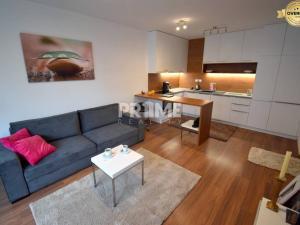 SUPER CENA !!!,Pekný 2i byt,novostavba,parking,Na Križovatkách,Ružinov