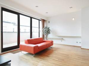 Priestranný 4i byt s 2 balkónmi na prenájom v Bratislave