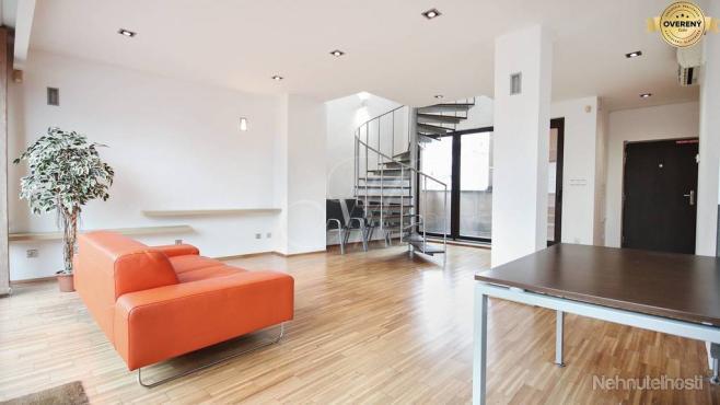 Kancelárie s 2 balkónmi na prenájom v Bratislave - Staré Mesto