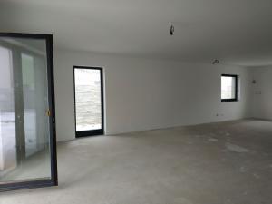Okr. SENEC - v  obci Most pri Bratislave ponúkame nadštandardný, kvalitne zrealizovaný 4 izbový rodi