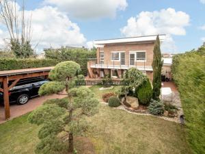 EXKLUZÍVNE! Luxusná 4 izbová rodinná vila s výhľadom na Slnečné jazerá