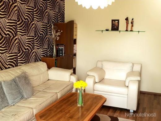 Na predaj:  3-izbový zrekonštruovaný byt v B.Bystrici, časť Radvaň - obrázok