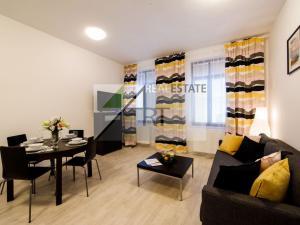 ART REAL Estate ponúka na PRENÁJOM nádherný 2-izbový byt  Bratislava - Staré Mesto historické centru