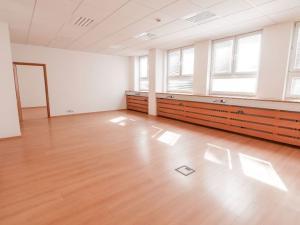 Kancelárie, 2-miestnosti, spolu 61m2, Nová Rožňavská, Bratislava - Nové Mesto.