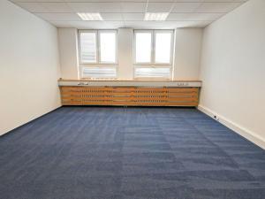 Kancelárie, 3-miestnosti, spolu 115,3m2, Nová Rožňavská, Bratislava - Nové Mesto.