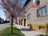Veľkometrážny 3i byt 110 m2  s vlastnou garážou a záhradkou - centrum Brezno