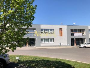 NA PRENÁJOM KANCELÁRSKE PRIESTORY V NOVOSTAVBE NA PRÍZEMÍ - 49,5 m2 v Bratislave, časť Vrakuňa