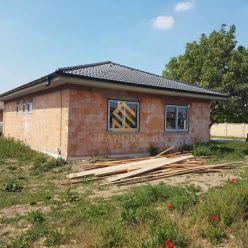Rezervované - Rodinný dom, 555 m2 poz., Križovany n/Dudváhom