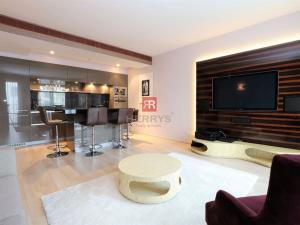 HERRYS - Na prenájom nadštandardný 2 izbový byt  v komplexe Eurovea s garážovým státím