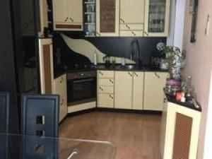 TRNAVA REALITY - ponúka na predaj vkusne zrekonštruovaný zariadený 4-izbový byt blízko centra Jána H