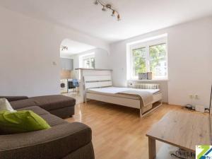1-izbový byt pri Trhovisku Miletičova, prenájom, Kvetná, Ružinov