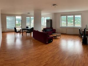 Priestranný 5-i byt s výhľadom na Malé Karpaty